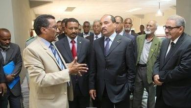 Photo of عزيز يزور مؤسسات تعليمٍ في ظل الحديث عن تدهوره