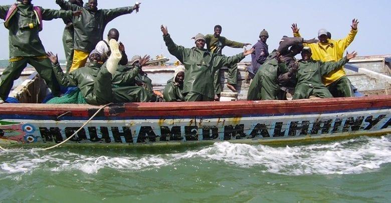 """صيادون تقليديون من حي """"غت اندر"""" بسينلوي السنغالية"""