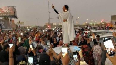 Photo of السودان.. من هي «الكنداكة» التي أسقطت عمر البشير ؟