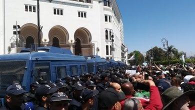 Photo of حملة اعتقالات في صفوف المتظاهرين بالجزائر
