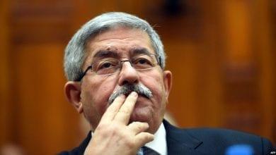 Photo of الجزائر.. إيداع رئيس الوزراء السابق السجن بتهم فساد