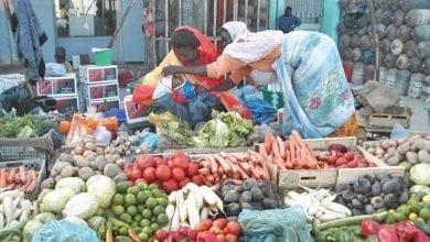 Photo of وزارة التجارة تدعو لخفض أسعار المواد المعفية من الجمركة